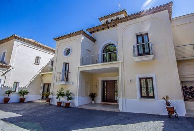 benaavis-la-zagaleta-villa-v-andaluzskom-stile-s-potryasayushhimi-vidami-na-more-i-gibraltar_img_ 36