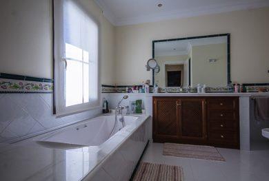 benaavis-la-zagaleta-villa-v-andaluzskom-stile-s-potryasayushhimi-vidami-na-more-i-gibraltar_img_ 25