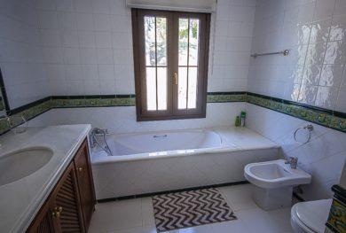 benaavis-la-zagaleta-villa-v-andaluzskom-stile-s-potryasayushhimi-vidami-na-more-i-gibraltar_img_ 24