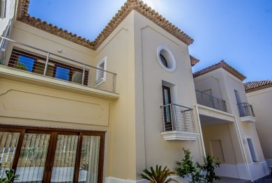 benaavis-la-zagaleta-villa-v-andaluzskom-stile-s-potryasayushhimi-vidami-na-more-i-gibraltar_img_ 1