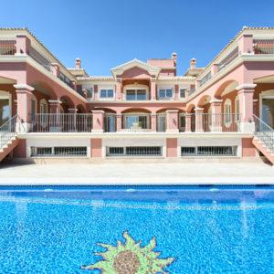 Эффектное поместье в Испании