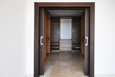 benaavis-novaya-villa-s-potryasayushhimi-vidami-na-more_img_ 13