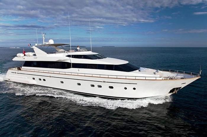Яхта Falcon 102