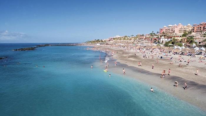 Пляж Playa-de-las-Américas на Тенерифе