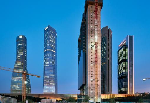 Комплекс пяти башен в Мадриде