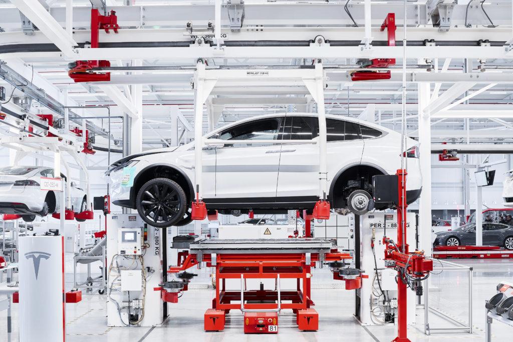 Tesla Model X в Испании
