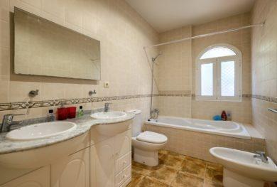 villa-s-vidom-na-more-v-marbele-riviera-del-sol_img_ 10