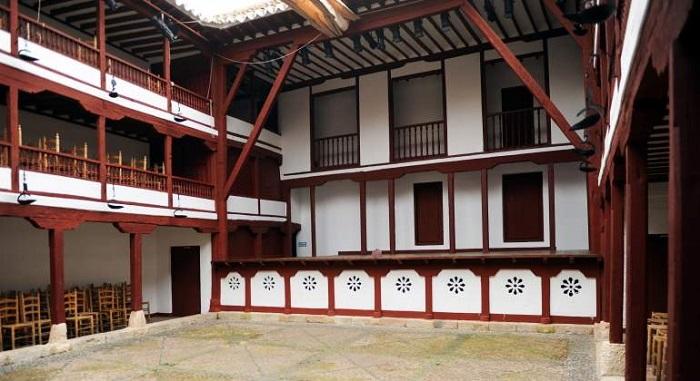 Театр Альмагро