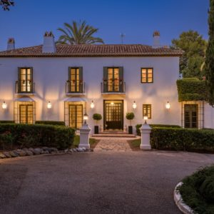 Дом в тосканском стиле в Испании